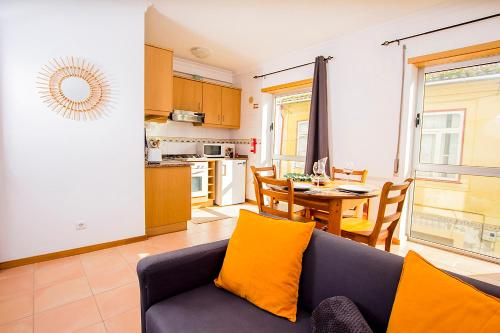 A kitchen or kitchenette at Apartment Central Square