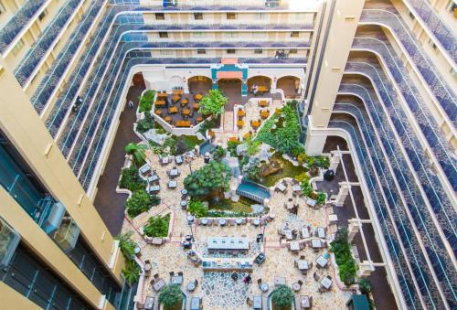 A bird's-eye view of Embassy Suites by Hilton Fort Lauderdale - 17th Street