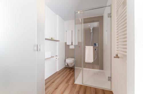 A bathroom at Hotel Engel