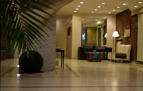 A seating area at Hotel Hernandarias
