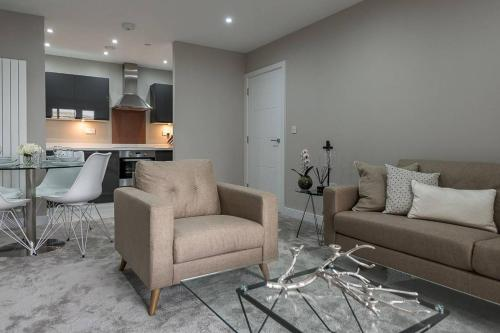 Modern and contemporary 1 Bedroom 7th floor apartment