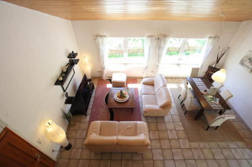 Ein Sitzbereich in der Unterkunft Apartment am Wirschbach