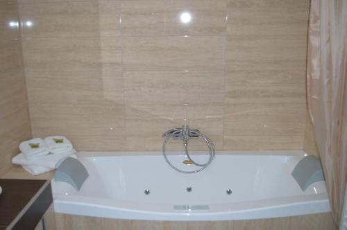 A bathroom at Achillio Hotel