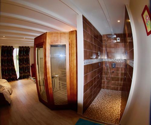 Château Trillon tesisinde bir banyo