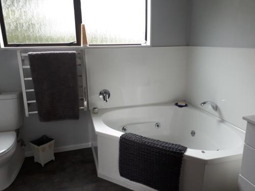Ett badrum på Rangaroa Heights