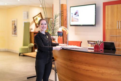 Lobby/Rezeption in der Unterkunft Anders Hotel Walsrode