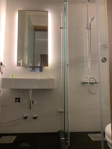 A bathroom at EL BOUTIQUE HOTEL