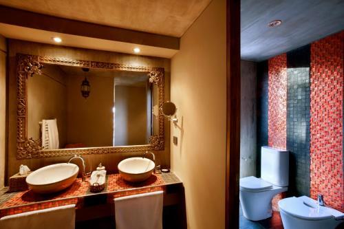 A bathroom at Entre Cielos