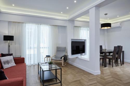 Posezení v ubytování Luxurious Spacious Apt next to Hilton Hotel