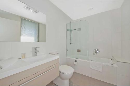 A bathroom at The Apollo