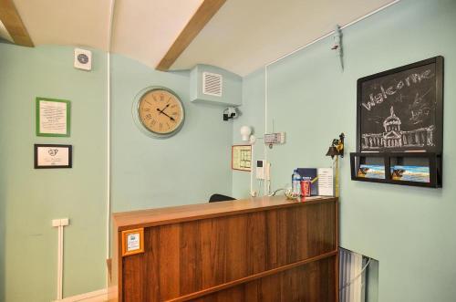 Лобби или стойка регистрации в Woman Hostel