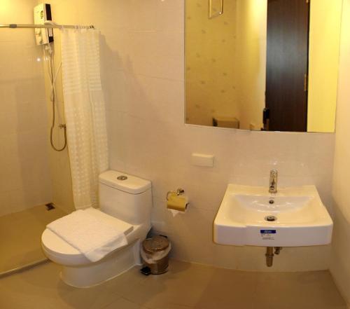 Phòng tắm tại Nantra Silom
