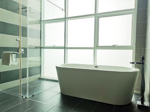 A bathroom at KSL Hotel & Resort