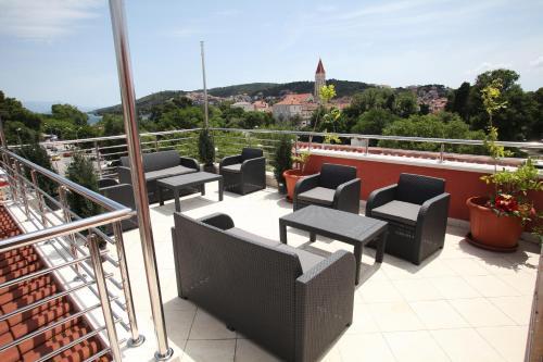 A balcony or terrace at Villa Kampanel