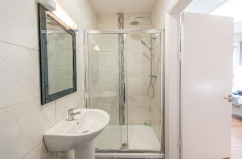 A bathroom at The Arch