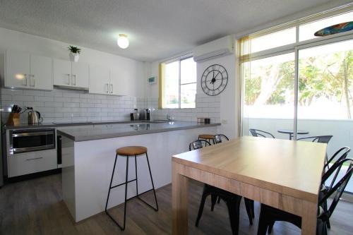 A kitchen or kitchenette at Main Break 1, 1 Main Street,