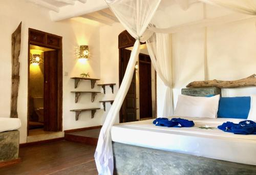 A bathroom at Zanzistar Lodge