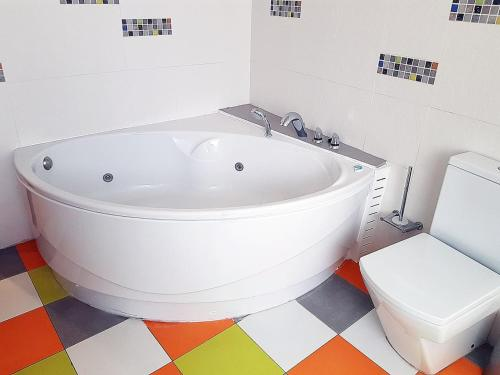 A bathroom at Large apartment with Jacuzzi in center of Sitges