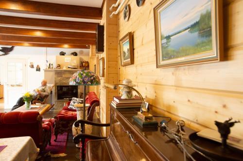 Majoituspaikan Vuotson Maja B&B ravintola tai vastaava paikka
