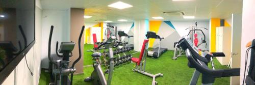The fitness centre and/or fitness facilities at Hotel Ritual Torremolinos- Adults Only