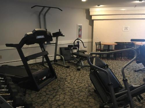 The fitness center and/or fitness facilities at North Star Lodge & Resort