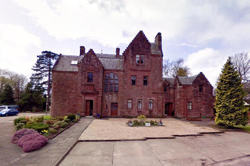 Butler's Apartment. Flat 5, Dalmore House, Helensburgh, Scotland G84 8JP