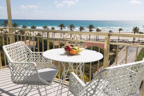 Un balcón o terraza de Hotel Almirante