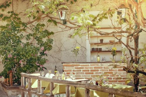 Ein Restaurant oder anderes Speiselokal in der Unterkunft Gasthof Hotel Schiffsmeisterhaus