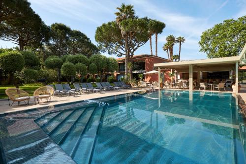 The swimming pool at or near Villa Duflot Hôtel & Spa Perpignan