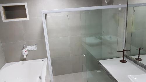 Um banheiro em Pousada das Bromélias
