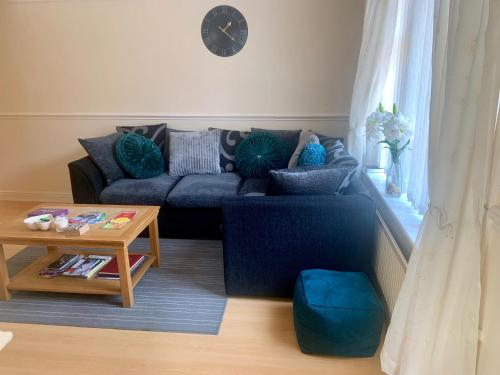 Be My Guest Liverpool - Ground Floor Apartment with Parking