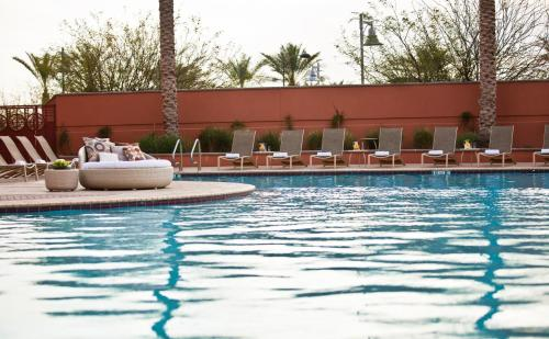 The swimming pool at or near Renaissance Phoenix Glendale Hotel & Spa