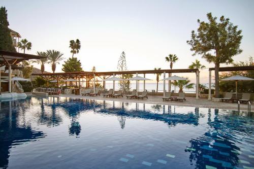 The swimming pool at or near Columbia Beach Resort