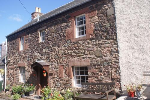 Perfect Cottage Ideal Location for exploring Scotland, Highlands & Edinburgh