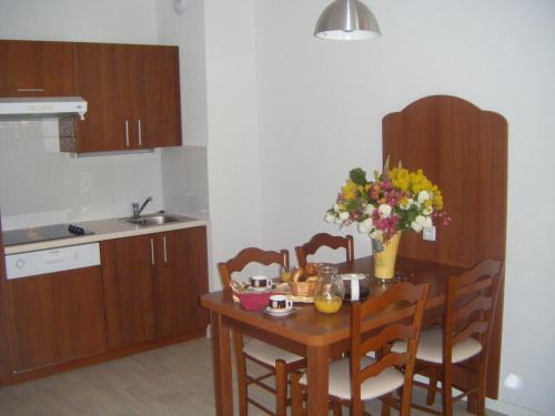 Cuisine ou kitchenette dans l'établissement Résidence Mer & Golf Tourmalet