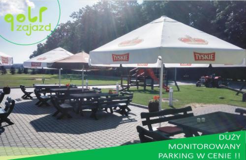 Restauracja lub miejsce do jedzenia w obiekcie Golf Zajazd Zajączkowo