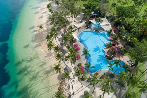 A view of the pool at Shangri-La's Fijian Resort & Spa or nearby
