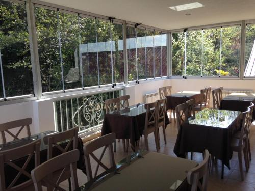 A restaurant or other place to eat at Center Villa Kutaisi