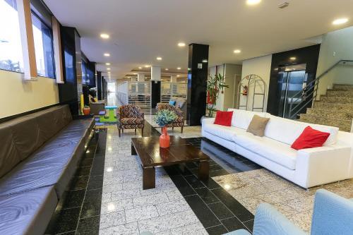 The lobby or reception area at Hotel Express Rodoviária