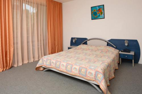 Легло или легла в стая в Хотел Елмар