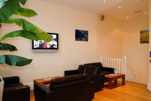 A television and/or entertainment center at Berties Lodge
