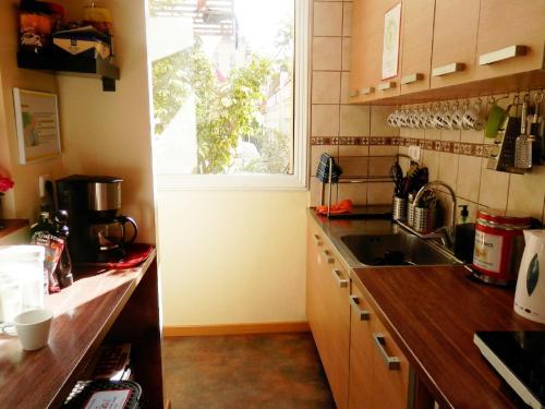 Küche/Küchenzeile in der Unterkunft Barcelona Central Garden Hostal