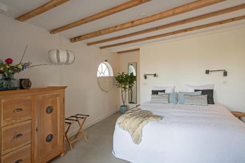 Een bed of bedden in een kamer bij Studio Haarlemenmeer