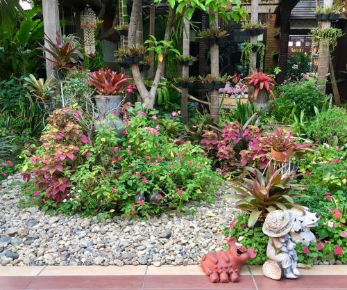 A garden outside Wiang Kum Kam Resort