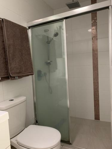 A bathroom at Room For Rent