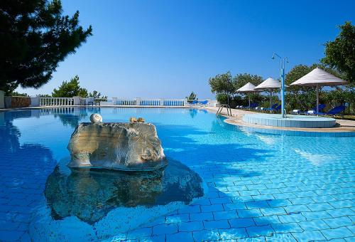 Bazén v ubytování Aroma Creta nebo v jeho okolí