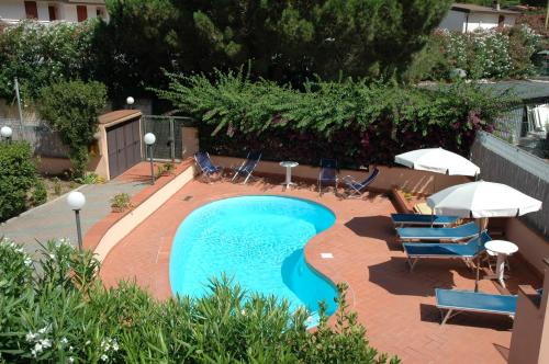A view of the pool at Residence Arcipelago or nearby