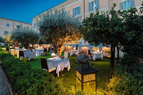 A restaurant or other place to eat at Kolbe Hotel Rome