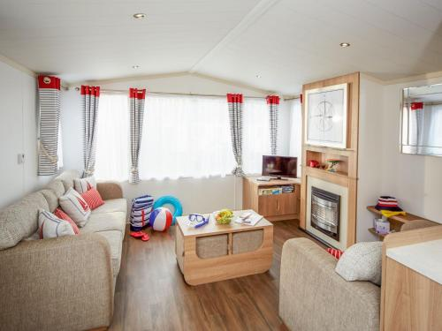 Holiday Home Thornwick Bay-5