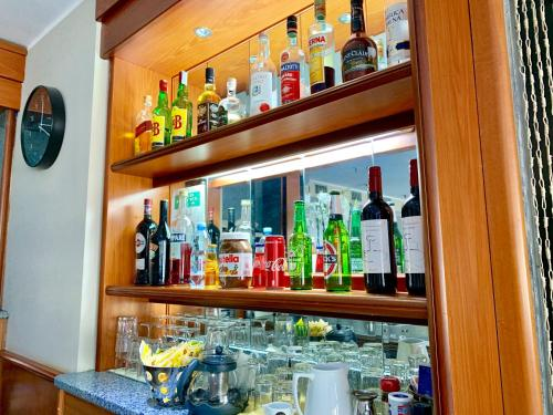 The lounge or bar area at Keb Hotel